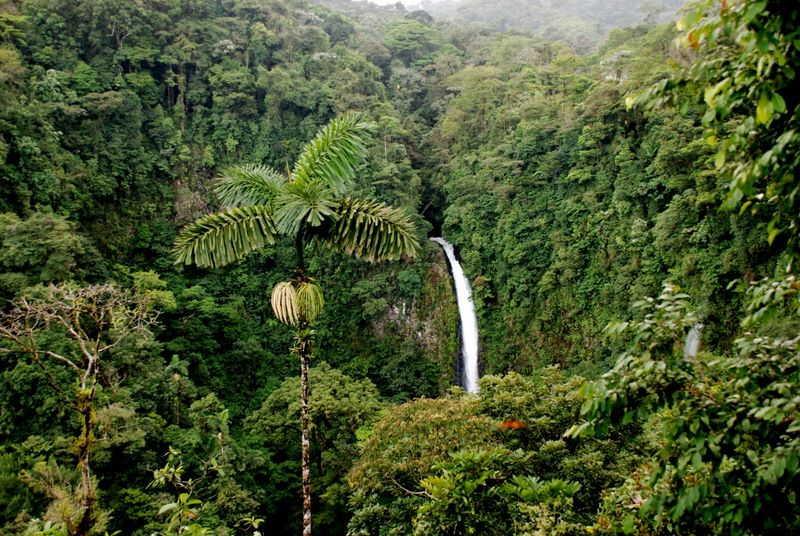 la-fortuna-waterfall