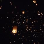 Floating lanters at Yi Peng